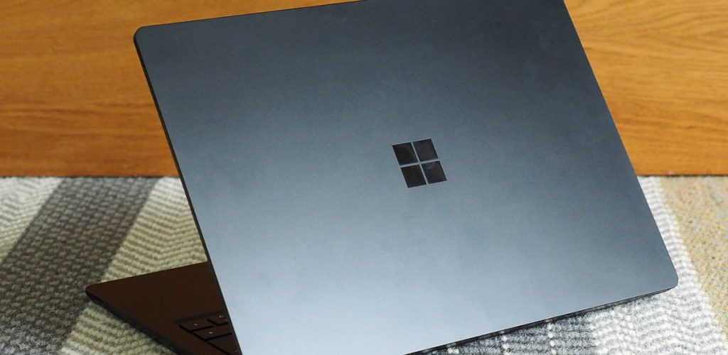 Microsoft-Surface-Book.jpg